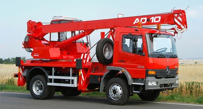 autozeriav-kuna-Mercedes-AD10